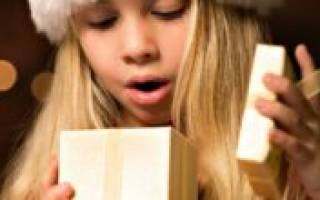 Что подарить девочкам на 8 марта